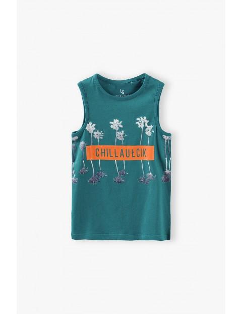 T-shirt chłopięcy w kolorze ciemnej zieleni- Chillaułcik