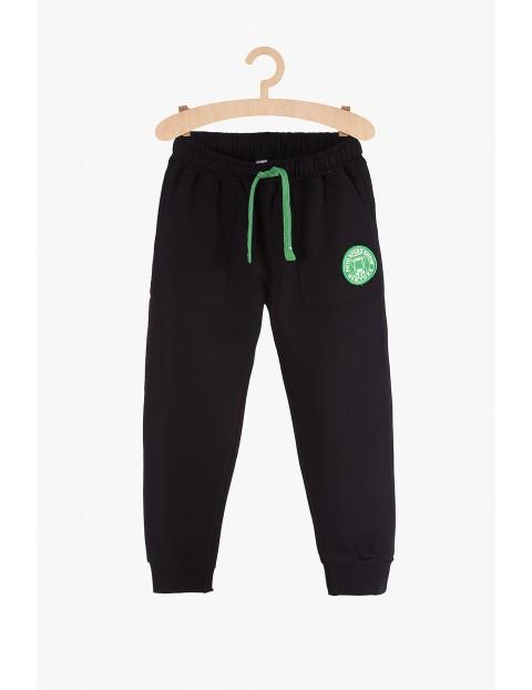 Spodnie dresowe chłopięce czarne