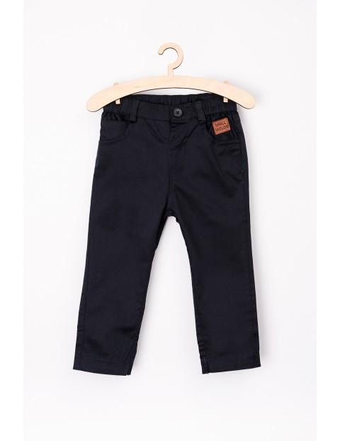 Granatowe spodnie dla niemowlaka