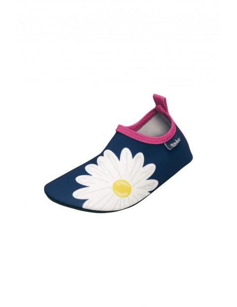 Buty kąpielowe dla dziewczynki- granatowe w kwiatki