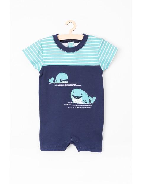 Rampers z wielorybem dla niemowlaka