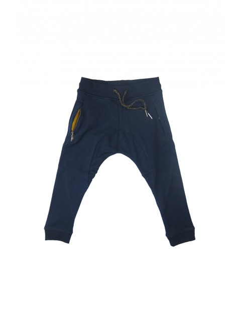 Spodnie dresowe chłopięce 2M34AB