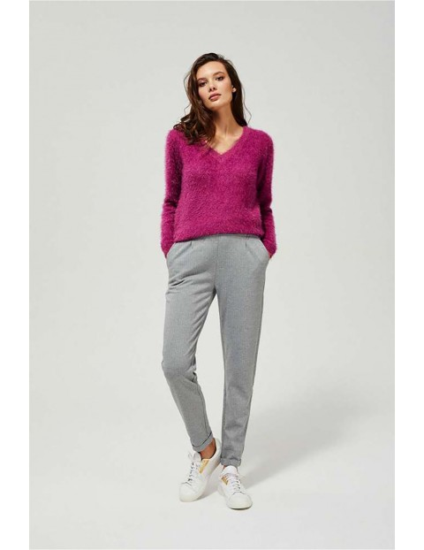 Klasyczne spodnie damskie  w jodełkę - szare