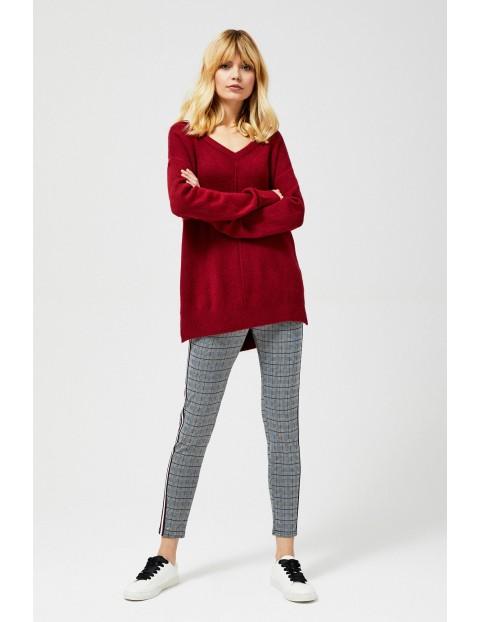 Bordowy sweter damski- luźny fason