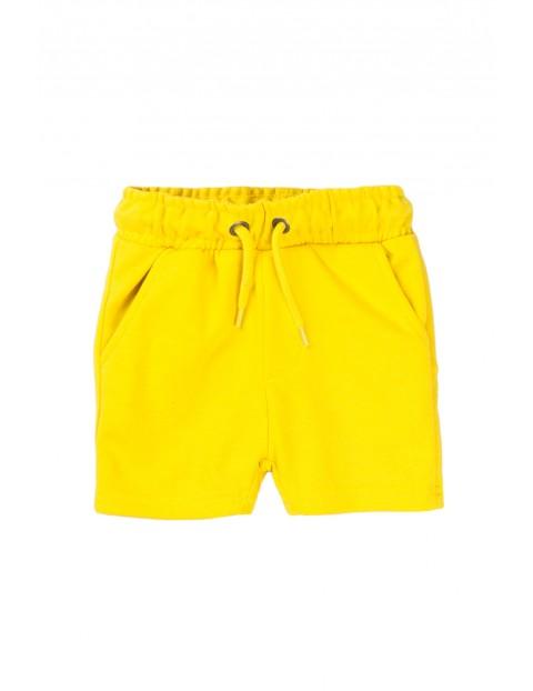 Szorty chłopięce w kolorze żółtym