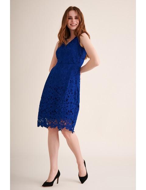 Koronkowa chabrowa sukienka midi