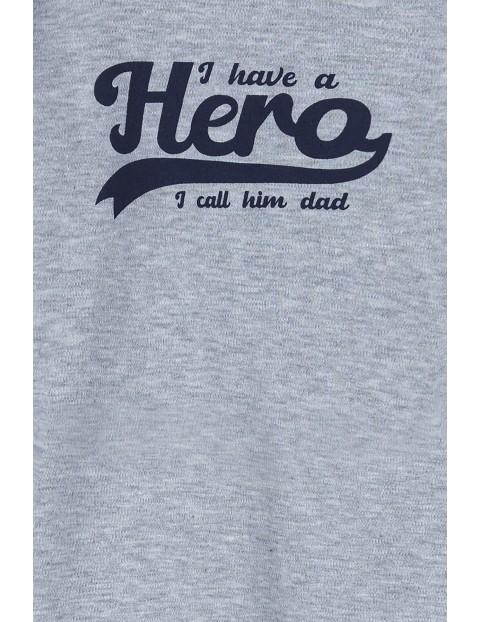 Body niemowlęce szare z napisem -Hero - kolekcja ubrań dla całej rodziny
