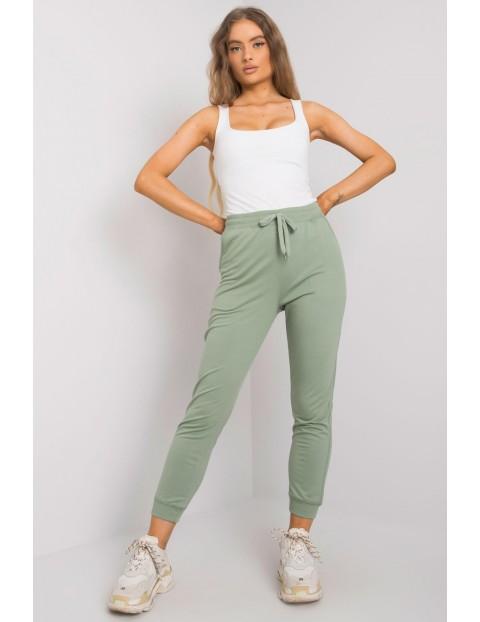 Spodnie dresowe joggery zielone