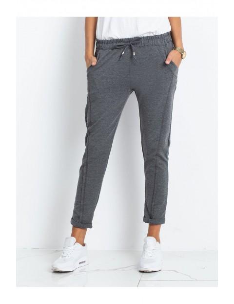 Spodnie dresowe damskie 7/8 nogawka - ciemny szary