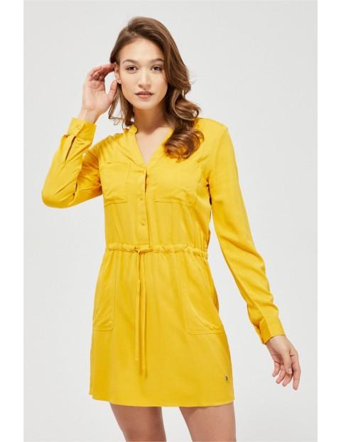Żółta sukienka damska ze ściągaczem w pasie