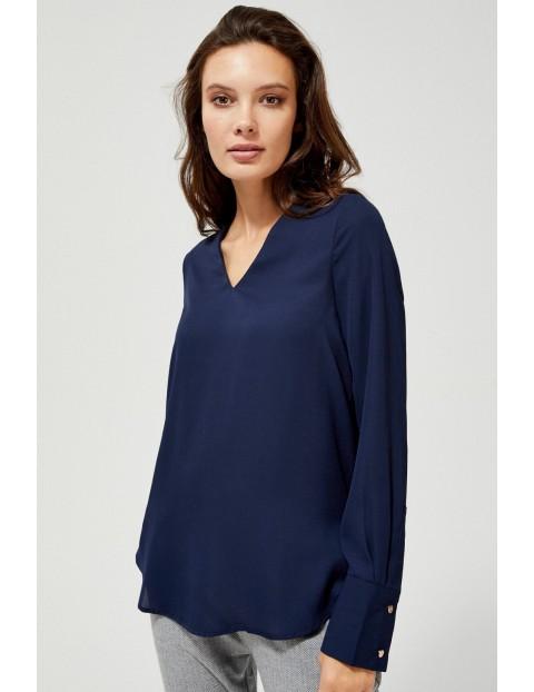 Granatowa koszula damska z dłuższym tyłem i dekoltem w serek
