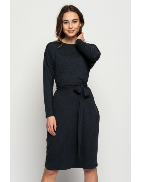 Szara dopasowana sukienka damska