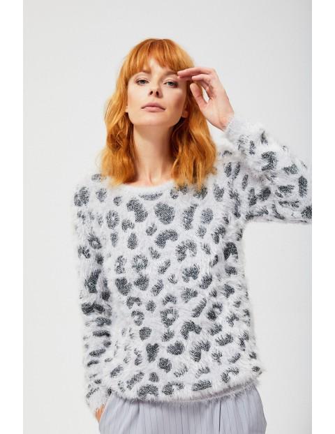 Sweter w panterkę