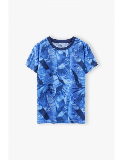 T-shirt chłopięcy w kolorze niebieskim z nadrukiem