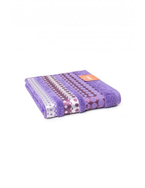 Bawełniany ręcznik w kolorze fioletowym 50x90 cm