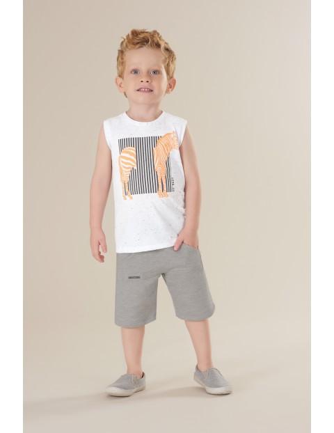 Komplet chłopięcy biała koszulka z zebrą i szare spodenki