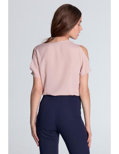 Jasnoróżowa bluzka damska z wycięciami na ramionach