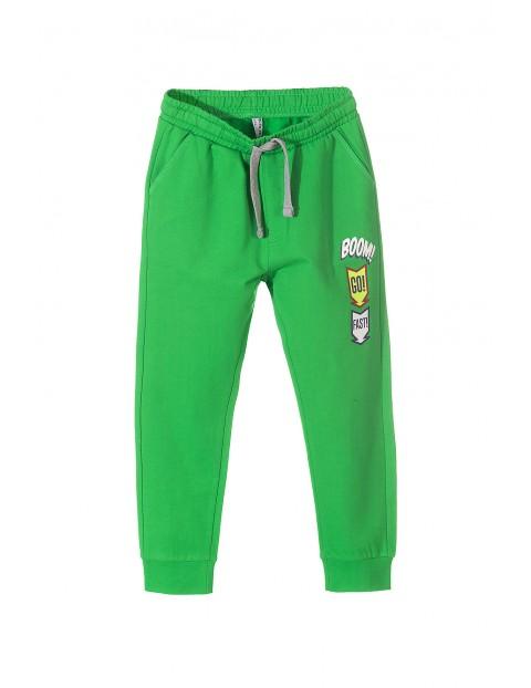 Zielone spodnie dresowe z kieszeniami