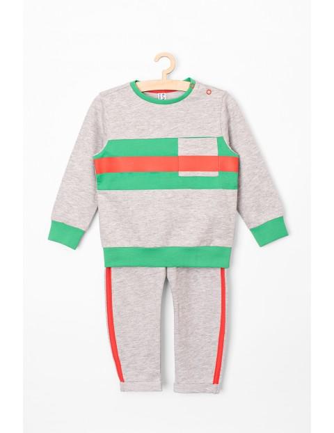 Komplet dresowy dla niemowlaka - bluza i spodnie