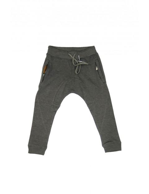 Spodnie dresowe chłopięce 2M34A9
