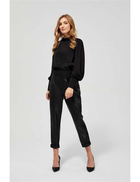 Elegancka bluzka damska czarna z odkrytymi plecami