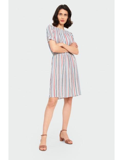 Sukienka damska w kolorowe paski- ubrania na lato