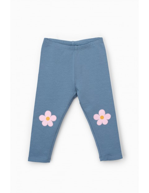 Leginsy dziecięce z kwiatkami - niebieskie