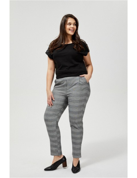 Spodnie typu cygaretki w kratę