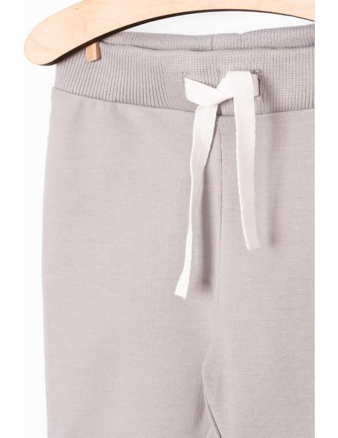 Szare spodnie dresowe dla niemowlaka - Organic Cotton