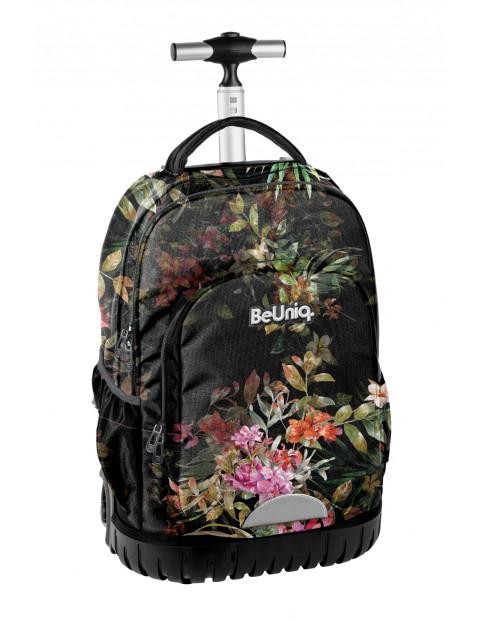 Plecak szkolny na kółach w kwiatowy wzór