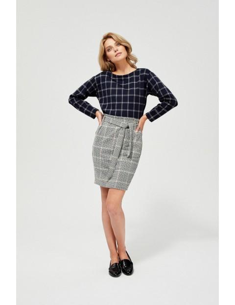 Ołówkowa spódnica damska w kratkę z wiązaniem