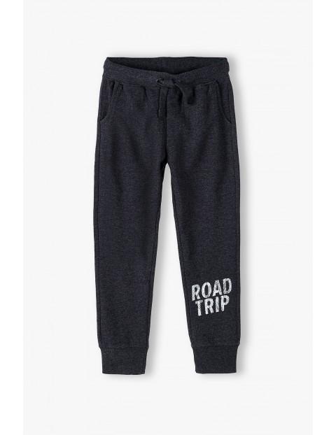 Spodnie dresowe chłopięce- Road trip
