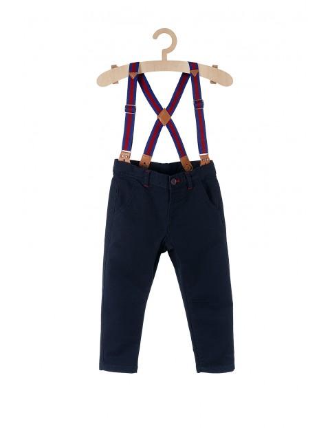 Spodnie chłopięce granatowe z odpinany i szelkami