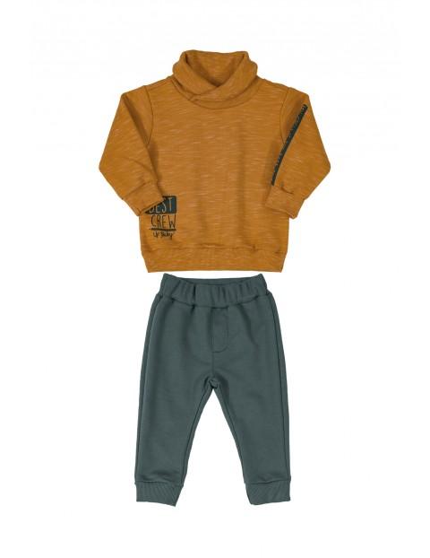 Komplet niemowlęcy bluza i spodnie dresowe