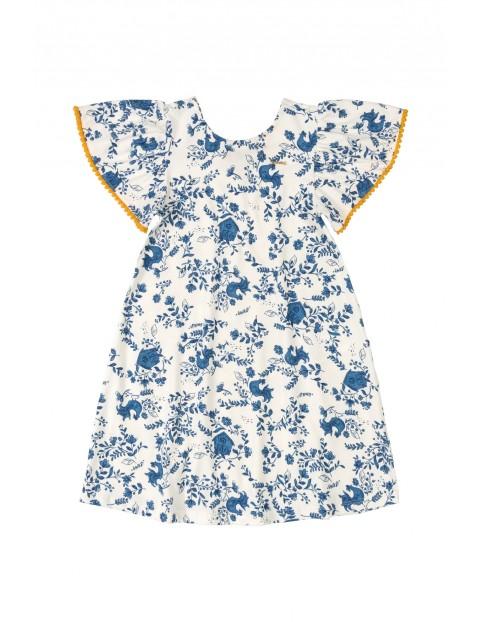 Sukienka dziecięca  w niebieskie kwiatki - biała