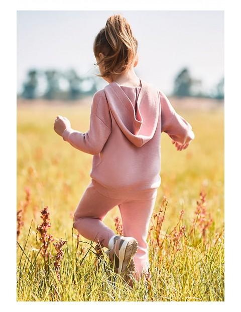 Dres dziewczęcy - bluzka z kapturem i spodnie dresowe - różowy