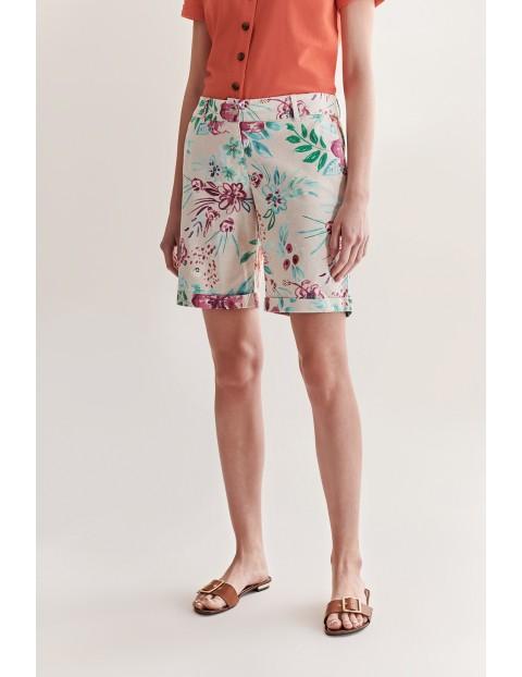 Bermudy damskie w kolorowe kwiaty Tatuum