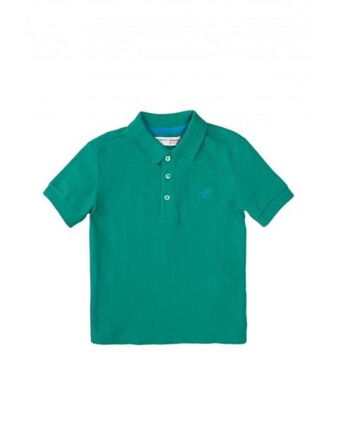T-shirt chłopięcy bawełniany z kołnierzykiem- zielony
