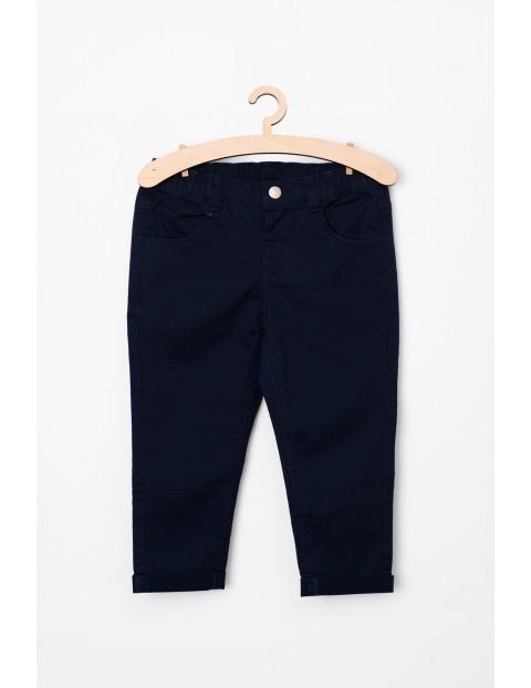 Granatowe spodnie niemowilęce- klasyczny fason