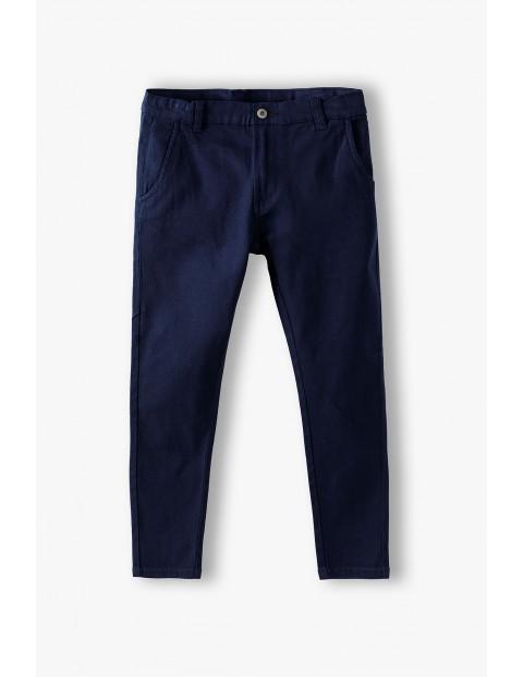 Spodnie chłopięce granatowe - klasyczny fason