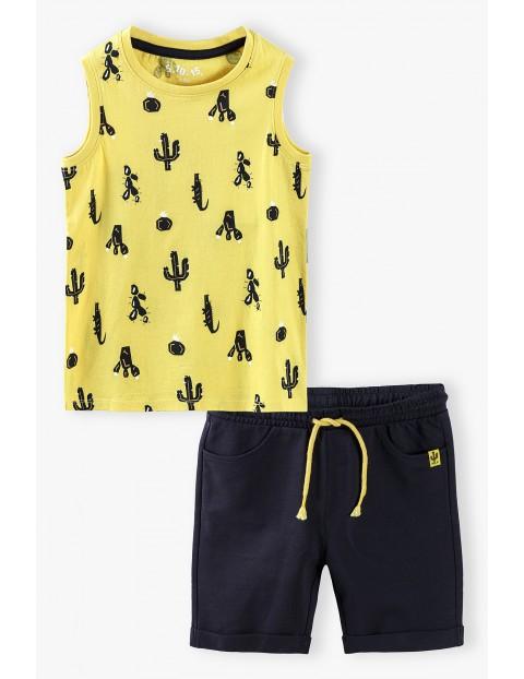Komplet - t-shirt w kaktusy i spodenki