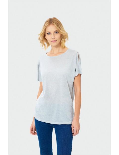 Szary t-shirt damski z rozciętym rękawem