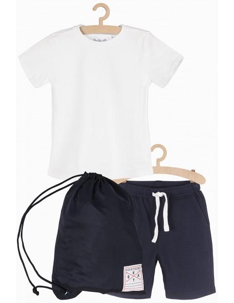 Komplet ubrań na zajęcia gimnastyczne