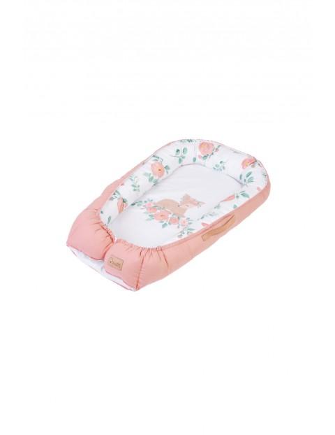 Różowy kokon niemowlęcy z sarenką - 80x45 cm