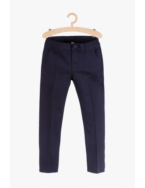Granatowe spodnie dla chłopca