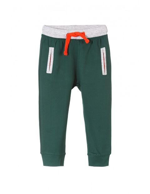 Spodnie dresowe chłopięce 1M3507