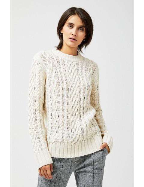 Sweter w warkosze