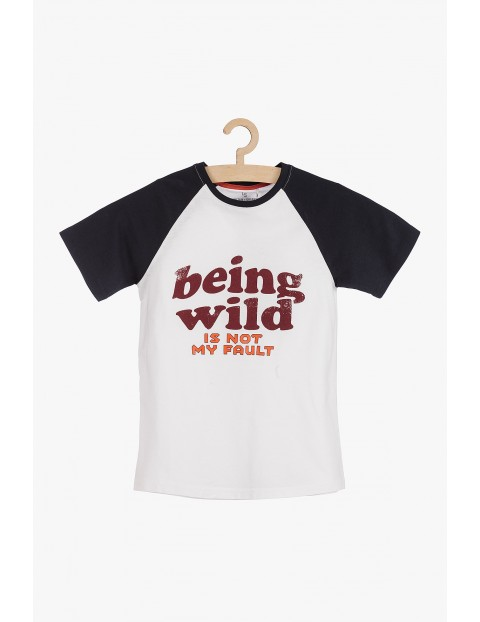 T-shirt chłopięcy z młodzieżowymi nadrukami