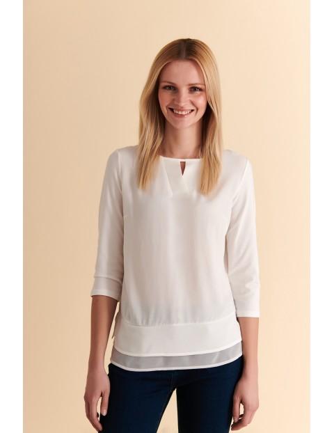 Delikatna biała bluzka damska z ozdobnym dekoltem