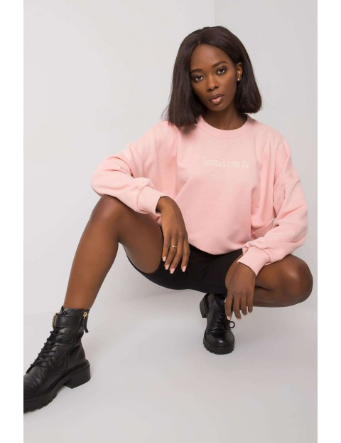 Jasnoróżowa bluza damska - luźny fason